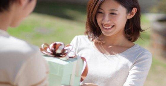 Chọn quà 20/11 cho cô giáo phù hợp và ý nghĩa
