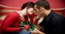 Chọn quà Giáng sinh cho vợ yêu ý nghĩa và phù hợp