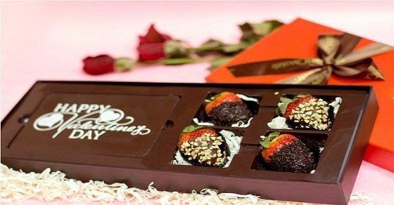 Gợi ý chọn quà valentine cho bạn trai ý nghĩa nhất