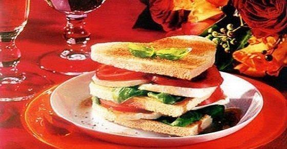 Bánh sandwich Valentine – Món ăn cho ngày valentine