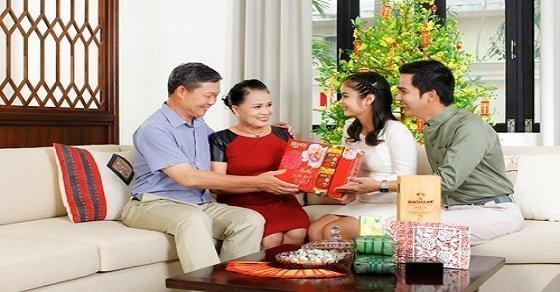 Chọn mua quà tết cho bố mẹ chồng ý nghĩa