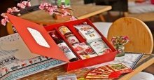 Chọn hộp quà tết và cách gói quà tết đẹp – nhanh nhất