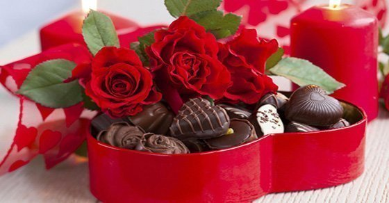 Hoa và socola- Món quà Valentine Trắng ý nghĩa