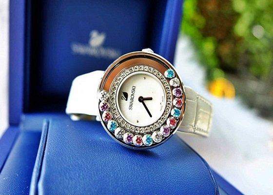 Đồng hồ thời trang Một trong những món quà tặng bạn gái ý nghĩa nhất