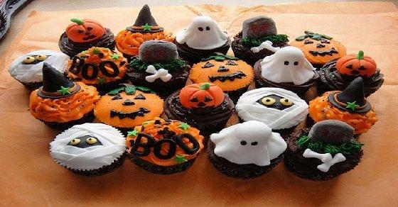 Rất nhiều kiểu dáng bánh Halloween cho các bạn lựa chọn