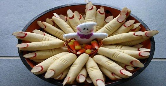 Cực phẩm bánh Halloween hình ngón tay