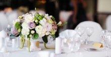 Dạy cách cắm hoa để bàn ngày cưới đơn giản và đẹp