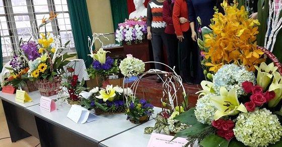 Cắm hoa Chào mừng ngày Nhà giáo Việt Nam
