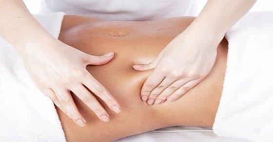 Massage vùng bụng đúng cách giúp giảm chứng đầy bụng khó tiêu