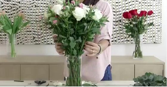 Hoa hồng tỉ muội chúm chím trang trí nhà ngày tết