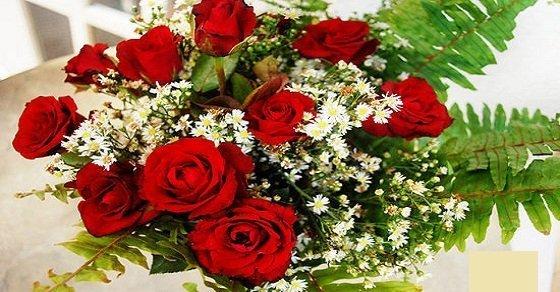 Cắm hoa hồng bàn thờ gửi gắm thông điệp ý nghĩa