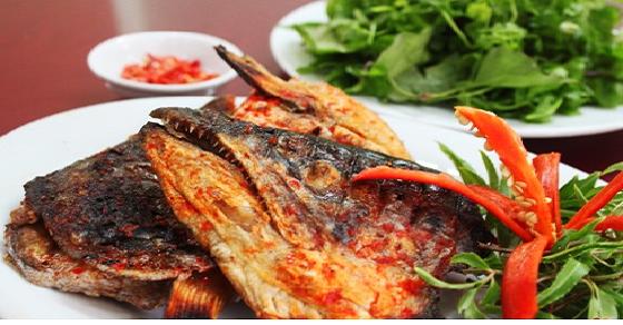 Cách làm món đầu cá hồi chiên nước mắm