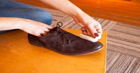 Cách giặt giày da bằng bàn chải là một cách hiệu quả