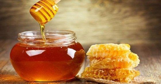 Sử dụng mật ong là một cách chữa nhiệt lưỡi hiệu quả