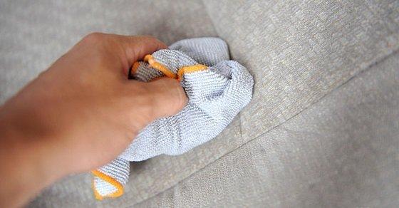 Vệ sinh sofa vải đơn giản có thể chỉ cần dùng khăn mềm