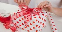 Gợi ý chọn quà tặng 14/2 Valentine cho chàng ý nghĩa