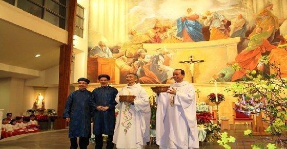 Lời chúc mừng linh mục thể hiện lòng tôn kính với Cha xứ